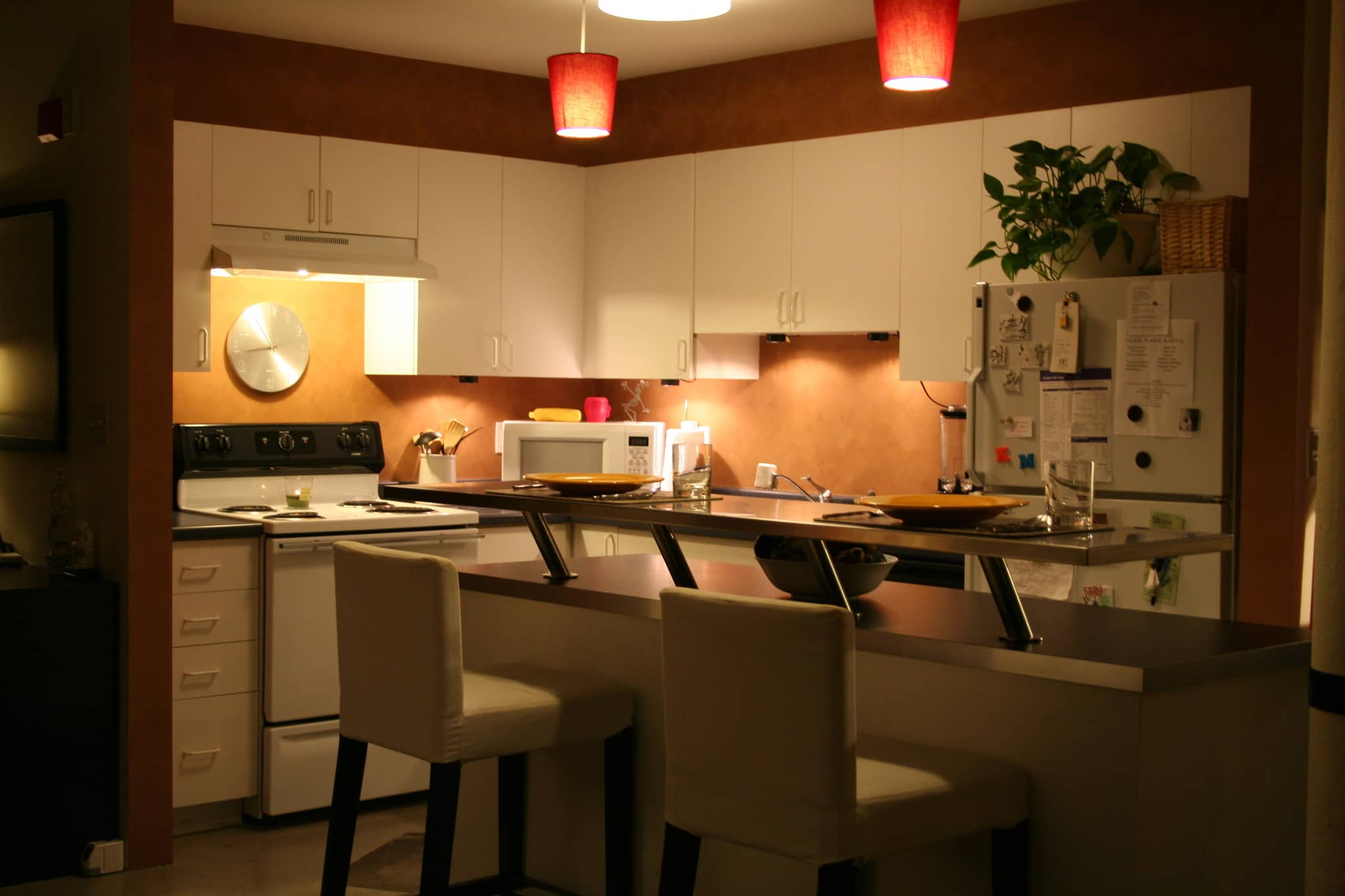 Kate's Creatively Renovated Rental Kitchen: gallery image 1