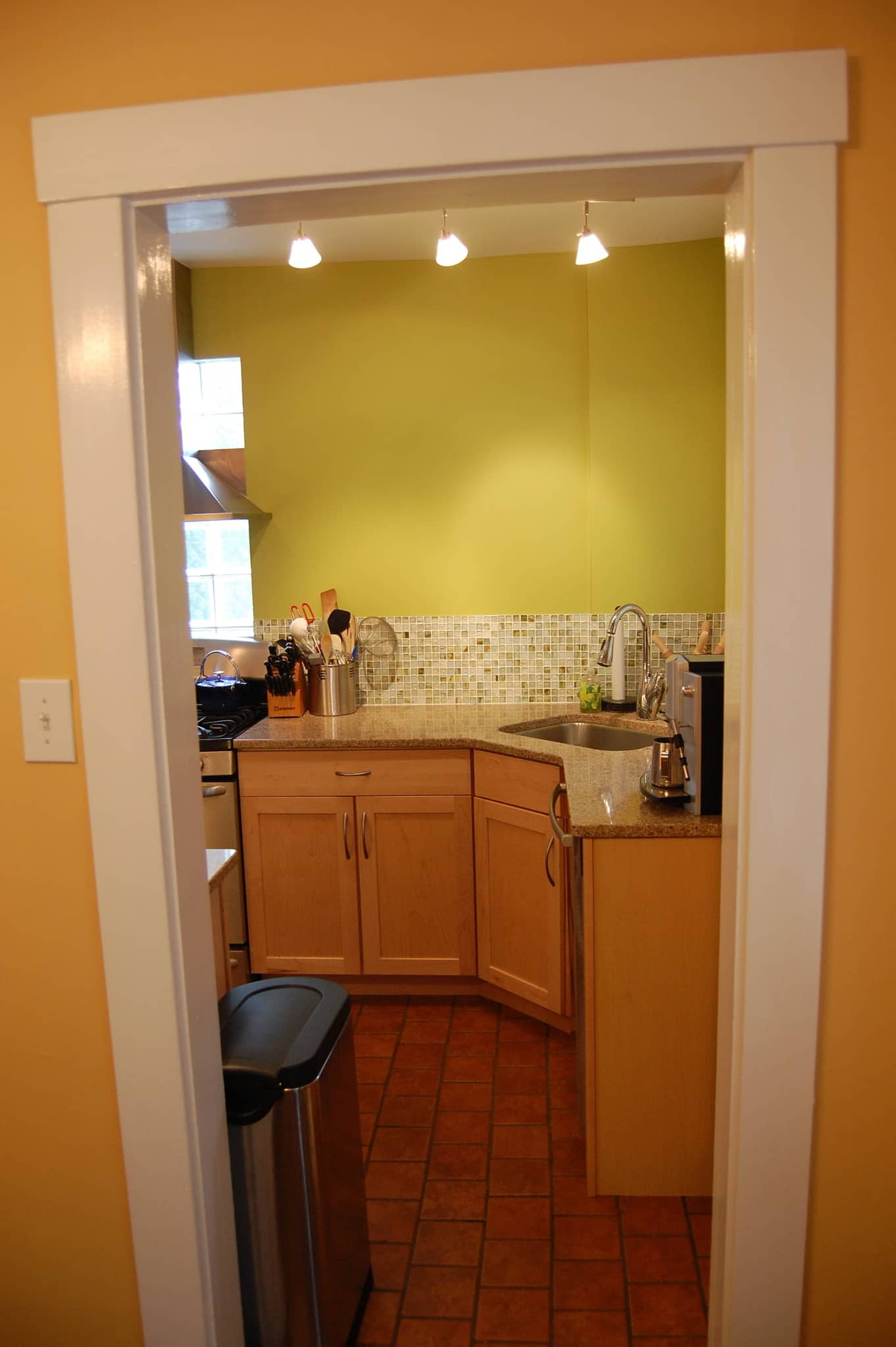 Heather's Expanded Pittsburgh Kitchen: gallery image 2