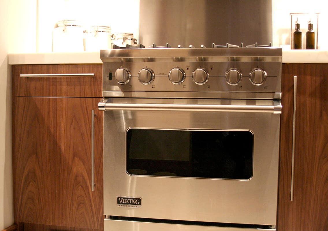 Kitchen Tour: Dale & Adam's Slick Exterior: gallery image 14
