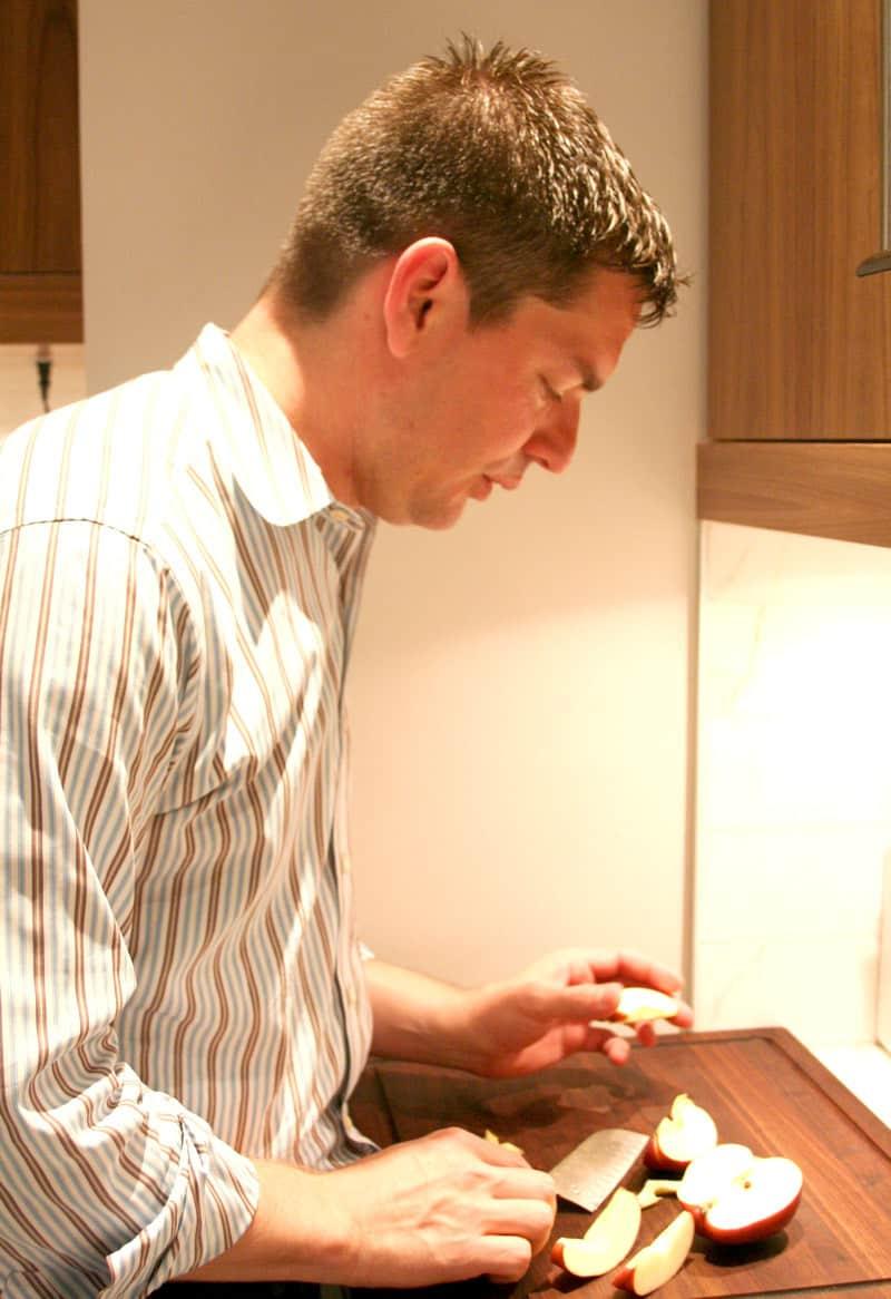 Kitchen Tour: Dale & Adam's Slick Exterior: gallery image 17