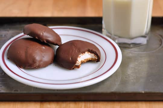 How To Make Mallomar Cookies at Home: gallery image 9