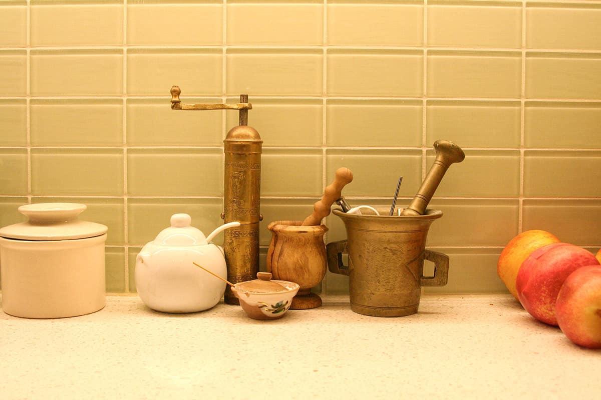 Kitchen Tour: Jasper & Rebecca's Updated Bay Area Classic: gallery image 9