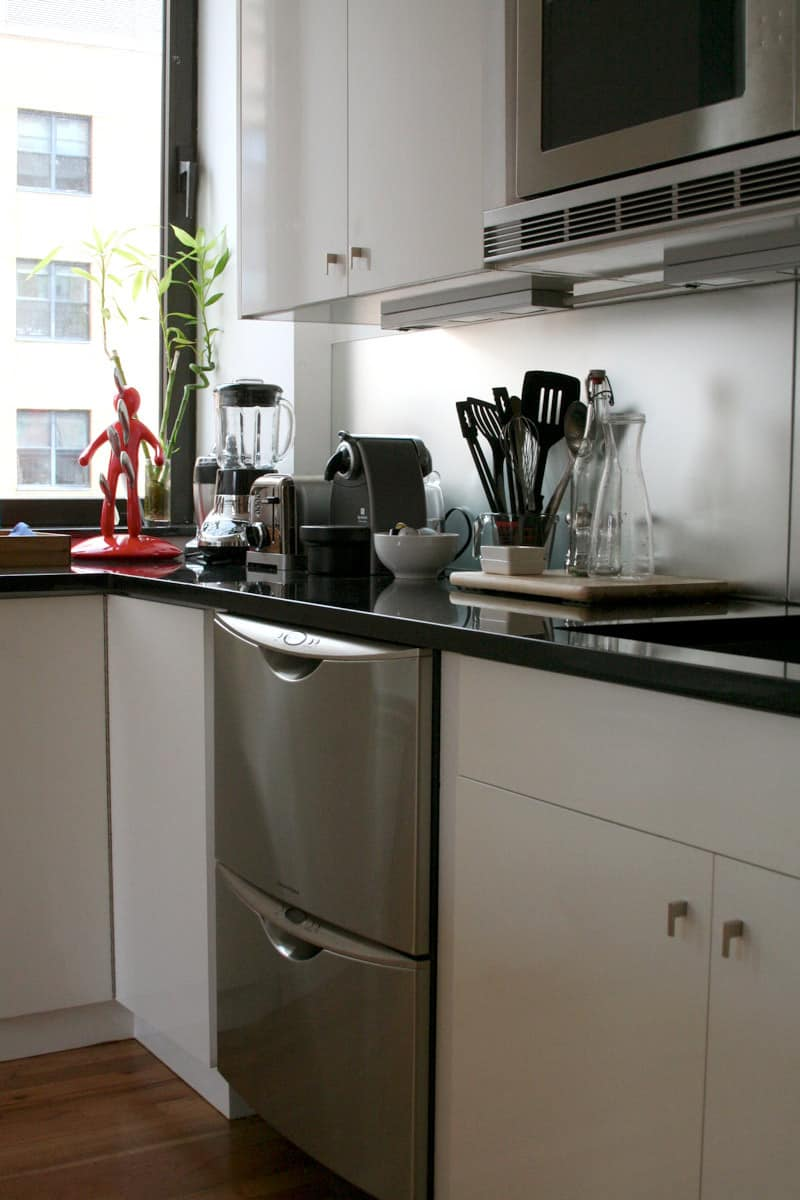 Kitchen Tour: Antoine Roset Hosts French Style in NY: gallery image 5