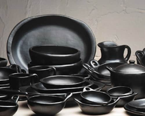 Tabletop Trends: Is Black the New White?: gallery image 4