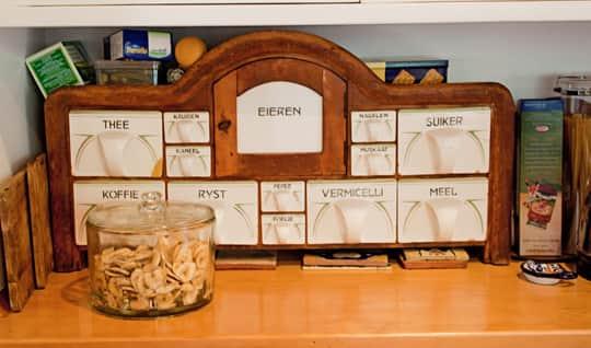 Kitchen Tour: Joan & Jim's Jolly Kitchen: gallery image 18