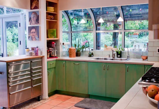 Kitchen Tour: Cissy and Richard's Relaxed Green Kitchen: gallery image 8