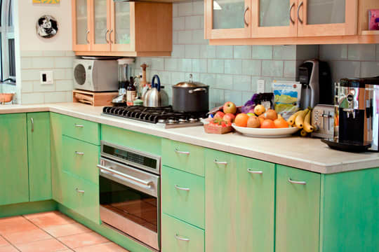 Kitchen Tour: Cissy and Richard's Relaxed Green Kitchen: gallery image 7