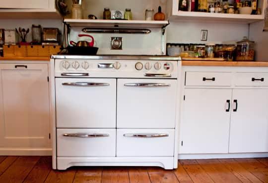 Kitchen Tour: Joan & Jim's Jolly Kitchen: gallery image 27