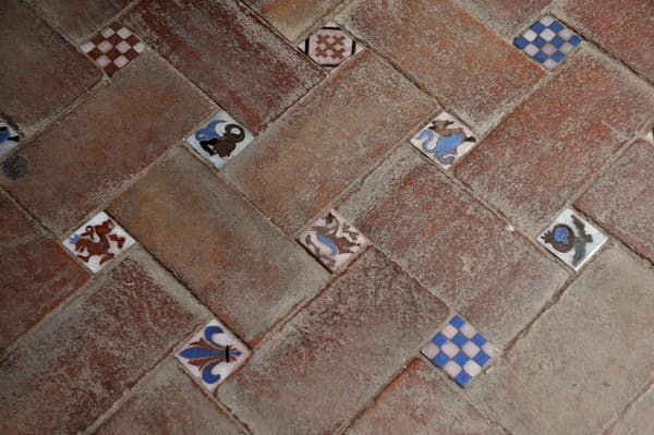 Tile Floors in The Kitchen: Inspiration From Spain: gallery image 1