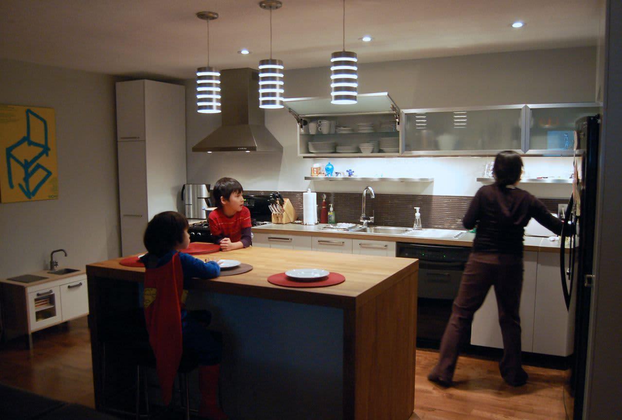 Kitchen Tour: Cynthia's Fixed-Up Kitchen in Toronto: gallery image 2