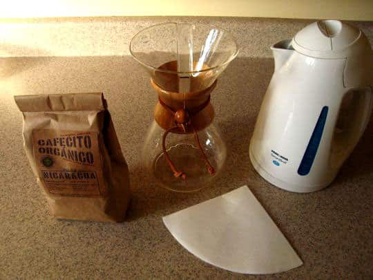 How To Brew Coffee With a Chemex Coffee Maker: gallery image 2