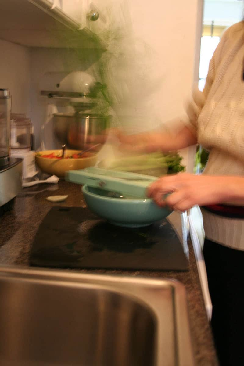 Kitchen Tour: Jackie Gives Life to Her Rental Kitchen: gallery image 17
