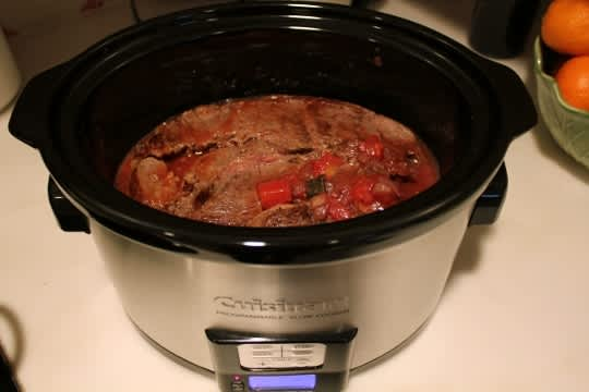 How To Make Mexican Braised Beef in a Slow Cooker: gallery image 10