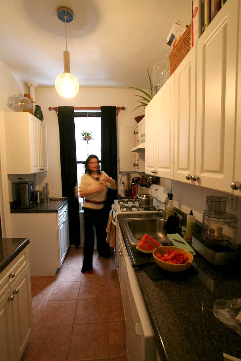 Kitchen Tour: Jackie Gives Life to Her Rental Kitchen: gallery image 1