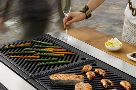 Fuego: Compact Outdoor Grills & Modular Kitchens: gallery image 5
