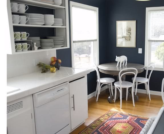 Classic & Comfy: Bentwood Chairs in the Kitchen: gallery image 5