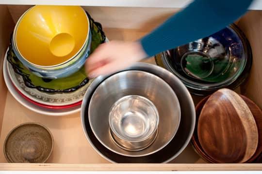 Kitchen Tour: Daria and Ben's Glossy White Kitchen: gallery image 17