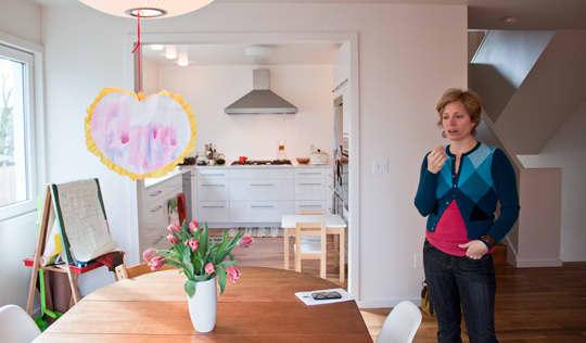 Kitchen Tour: Daria and Ben's Glossy White Kitchen: gallery image 14