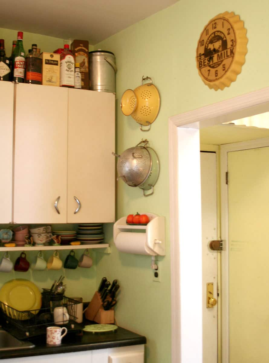 Kitchen Tour: Lisa's Homage to Her Mom's Kitchen: gallery image 6