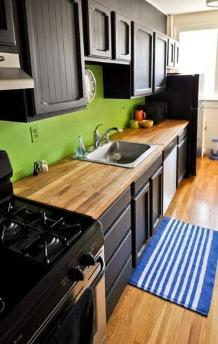 30 Small Cool Kitchens from Real Homes: gallery image 19