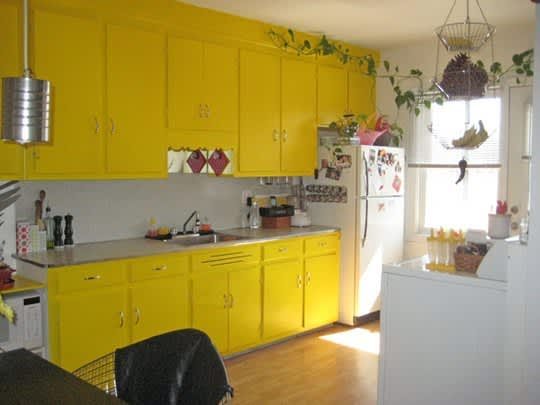 30 Small Cool Kitchens from Real Homes: gallery image 30