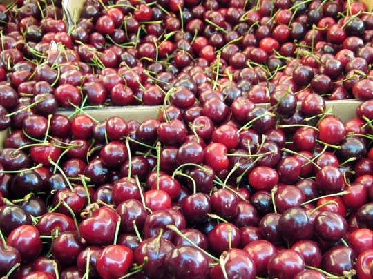 Visiting the Ballard Farmers Market: gallery image 12