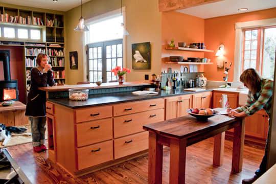 Kitchen Tour: Ginnie and Janie's Warm, Colorful Kitchen: gallery image 12