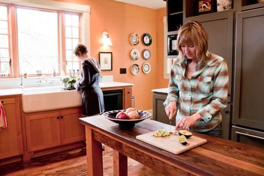 Kitchen Tour: Ginnie and Janie's Warm, Colorful Kitchen: gallery image 2