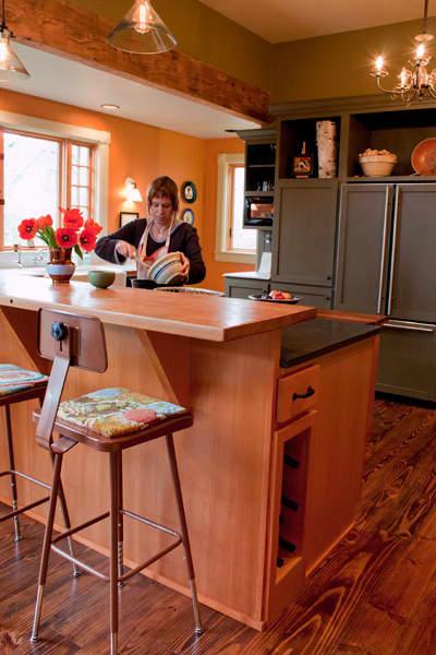 Kitchen Tour: Ginnie and Janie's Warm, Colorful Kitchen: gallery image 16