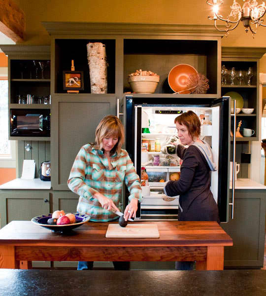 Kitchen Tour: Ginnie and Janie's Warm, Colorful Kitchen: gallery image 5
