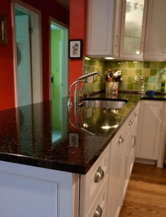 Food Writer Carla Snyder's Warm Red & Green Kitchen: gallery image 4