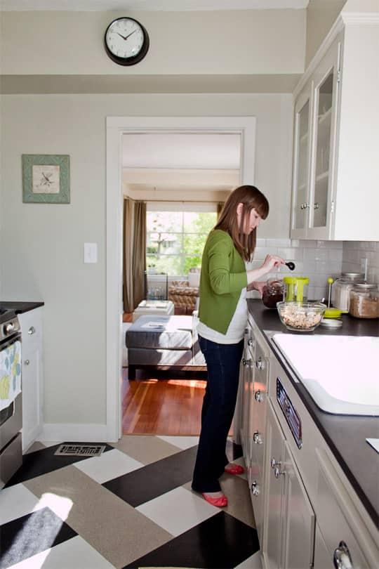 Amanda's Smart, Renovated Kitchen: gallery image 2