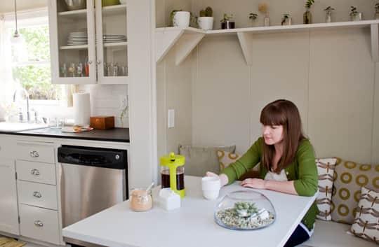 Amanda's Smart, Renovated Kitchen: gallery image 18