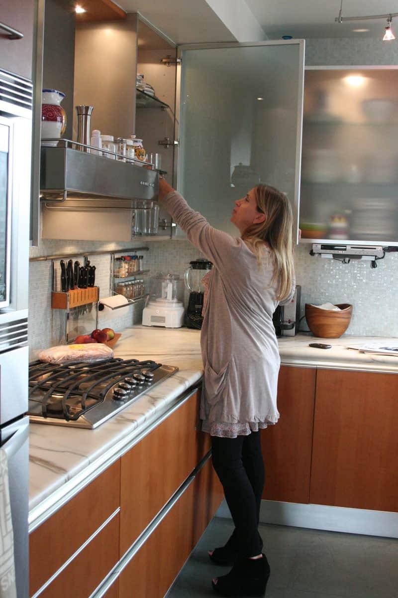Jane's Lush Penthouse Kitchen: gallery image 12