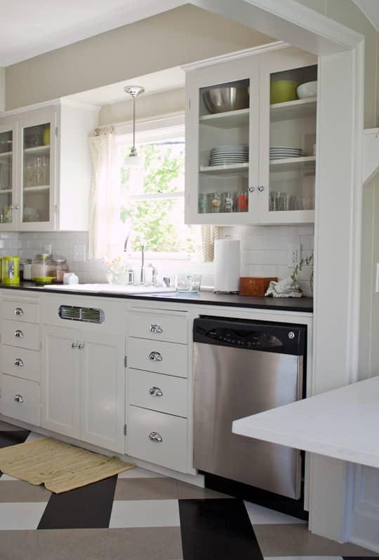 Amanda's Smart, Renovated Kitchen: gallery image 3
