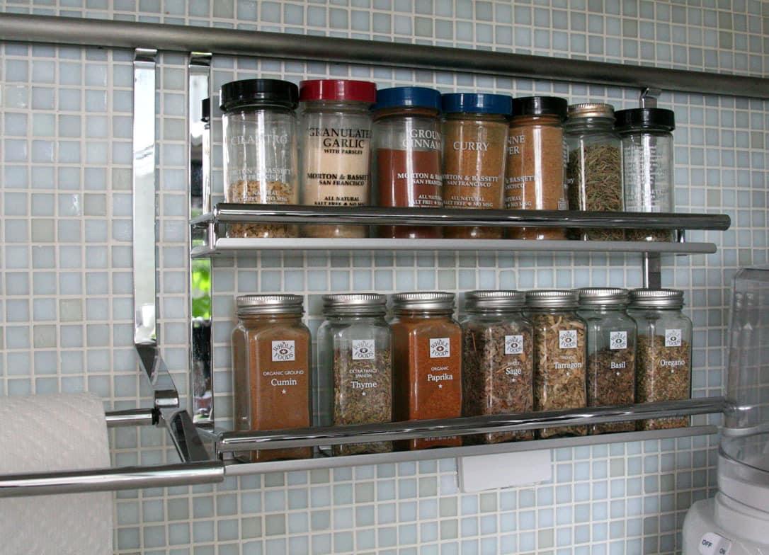 Jane's Lush Penthouse Kitchen: gallery image 24
