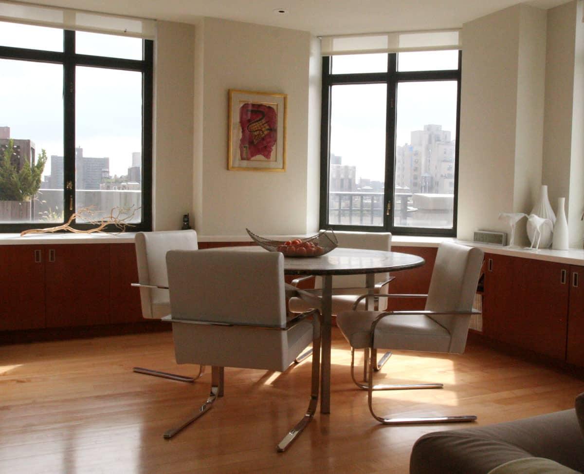 Jane's Lush Penthouse Kitchen: gallery image 3