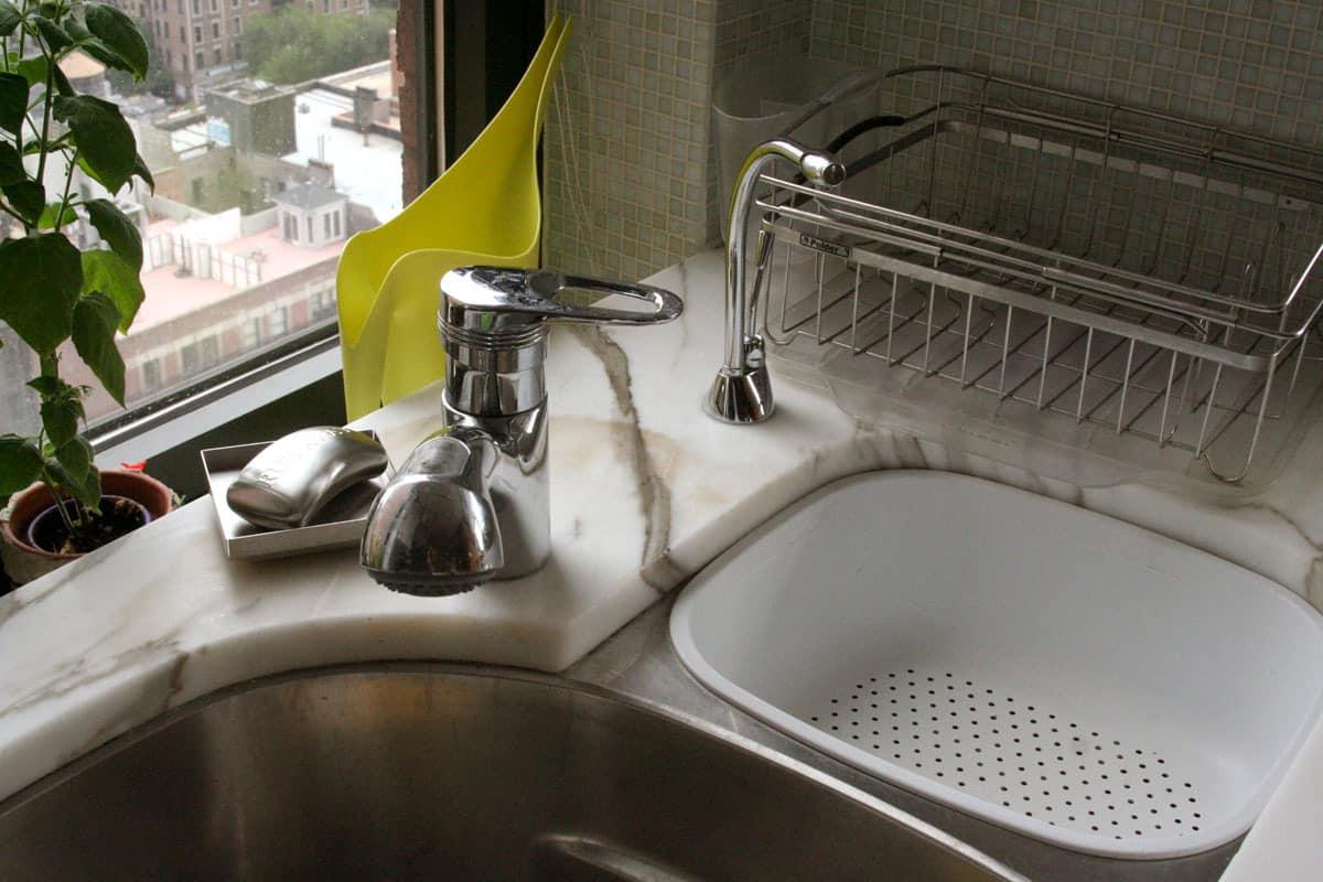 Jane's Lush Penthouse Kitchen: gallery image 8