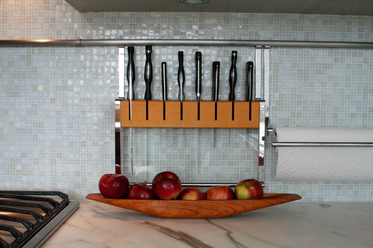 Jane's Lush Penthouse Kitchen: gallery image 23