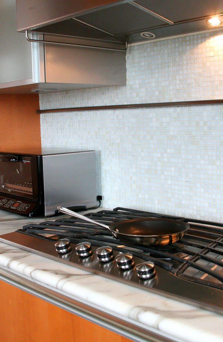 Jane's Lush Penthouse Kitchen: gallery image 20