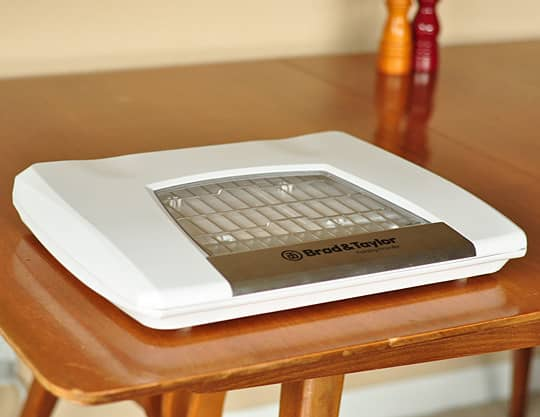 A Home Bread Proofer: The Brød & Taylor Folding Proofer Product Review: gallery image 2