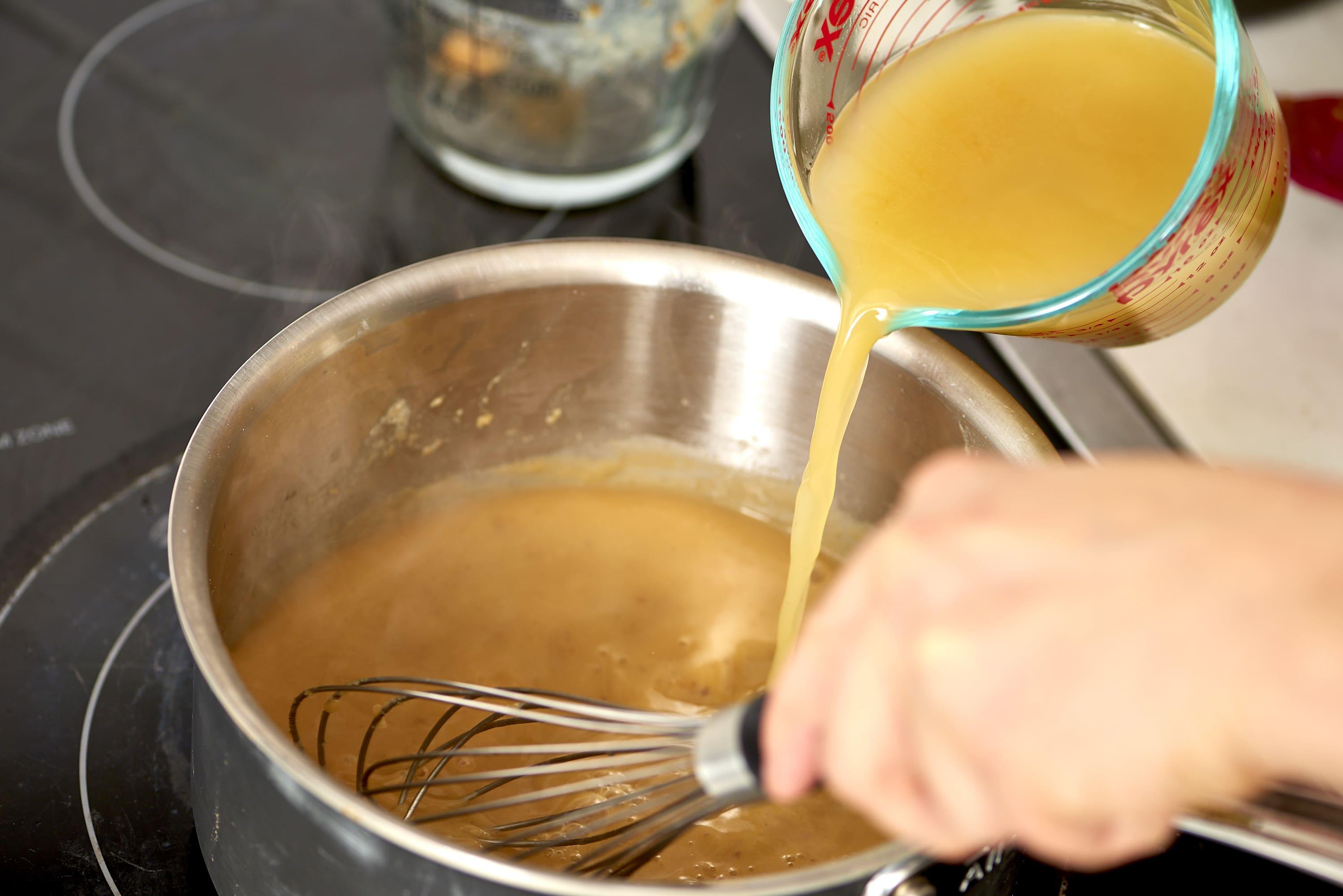 How To Make Turkey Gravy: gallery image 6