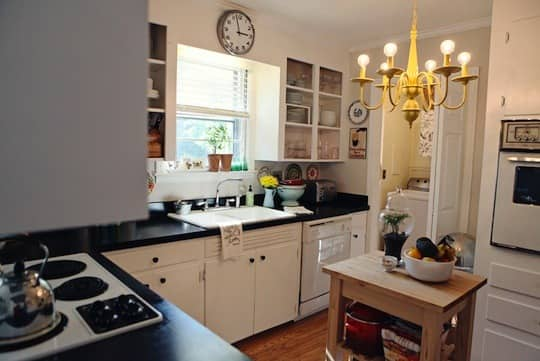 Whitney's Fabulous $50 Budget Kitchen Makeover: gallery image 7