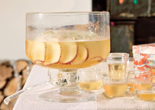 Cup of Cheer: 10 Festive Punch Recipes: gallery image 5