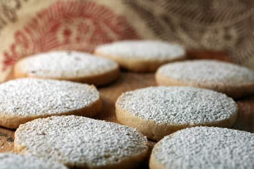 Nutmeg, Cardamom, Cloves: 10 Spiced Cookies: gallery image 1