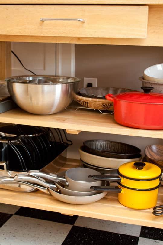 Clara's Sweet & Stylish Rental Kitchen: gallery image 5