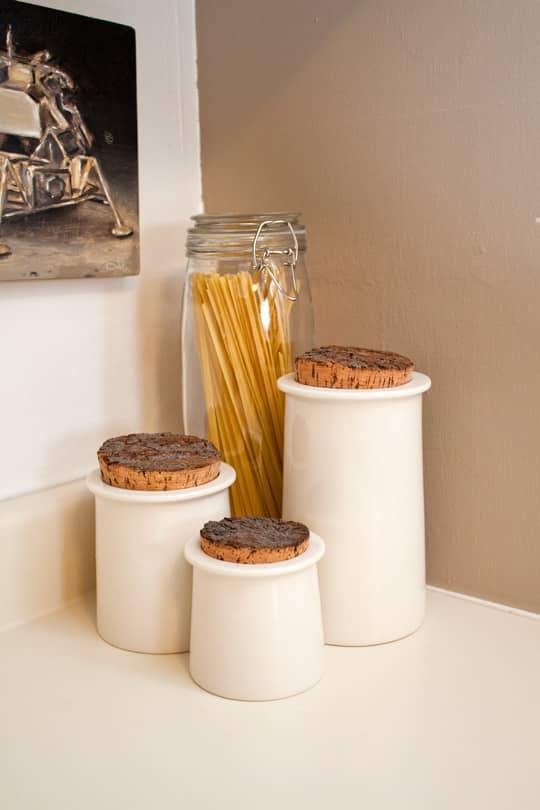 Clara's Sweet & Stylish Rental Kitchen: gallery image 9