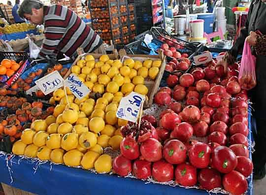 Fresh Finds: Scenes from a Turkish Produce Market: gallery image 5