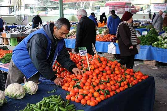 Fresh Finds: Scenes from a Turkish Produce Market: gallery image 6