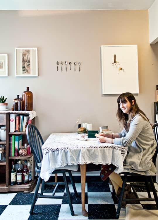 Clara's Sweet & Stylish Rental Kitchen: gallery image 1